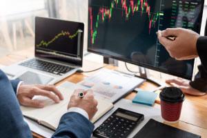 Comercio en un mercado de futuros-Revisado