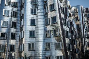 Phases de l'architecture post-moderne
