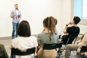 Sales Training: Learn How to Sell in 7 Effective Steps