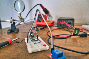 Design & Manufacture a Training Kit using PIC Microcontrollers