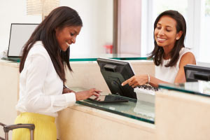 English for Tourism - Hotel Reception and Front Desk